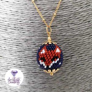 """""""Petits Renards"""" : Pendentif Crocheté avec perles miyukis 15/0 et Chaine en Acier inoxydable"""